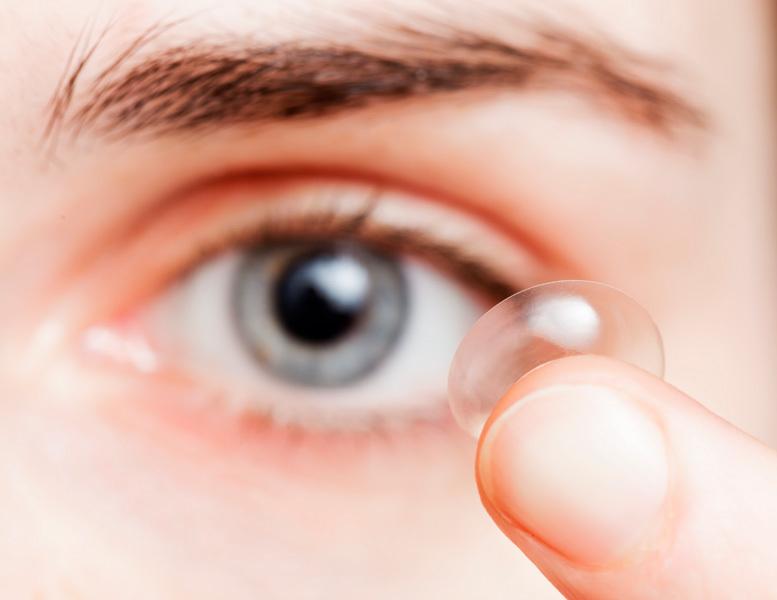 Quanto a retirada das lentes e sua assepsia correta